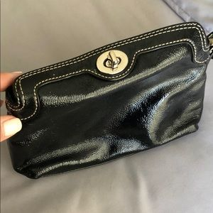 Black patent Small bag/wristlet with top clasp